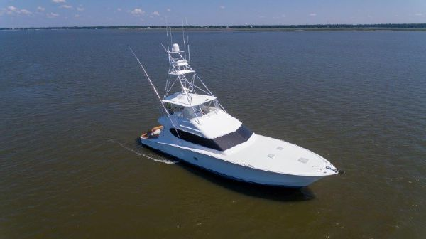 Hatteras Convertible image