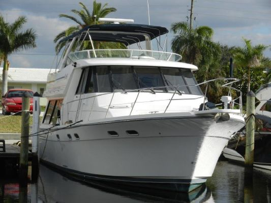 Bayliner 4788 Pilot House Motoryacht - main image