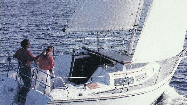 Catalina Sailboats & Jeanneau Yachts For Sale | Navy Point