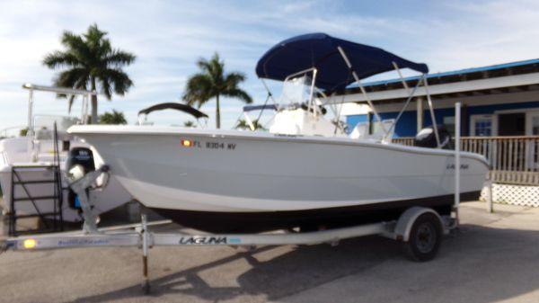Laguna 21 CC
