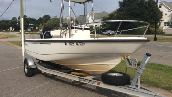 Boston Whaler 18 Dauntless