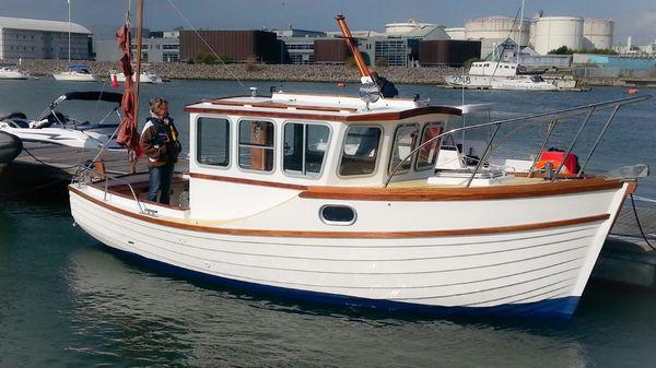 Custom Tremadog Bay 23