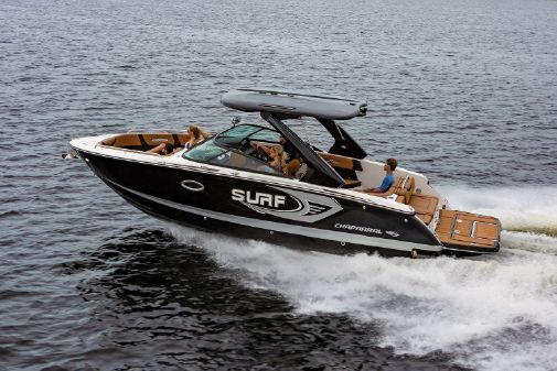 Chaparral 28 Surf image