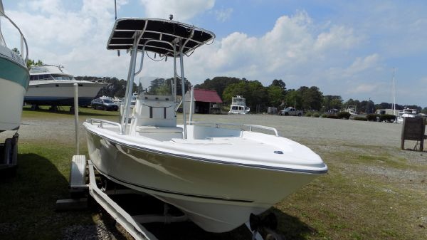 Carolina Skiff Bay Runner 220