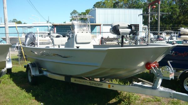 SeaArk 872 RXT