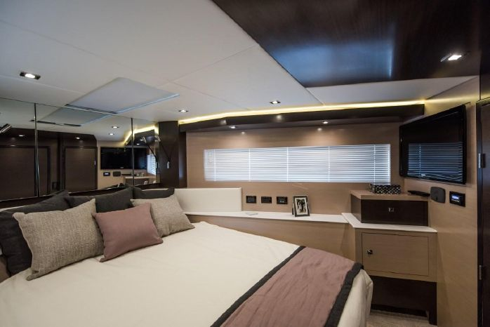2016 Cruisers Yachts Buy Maine