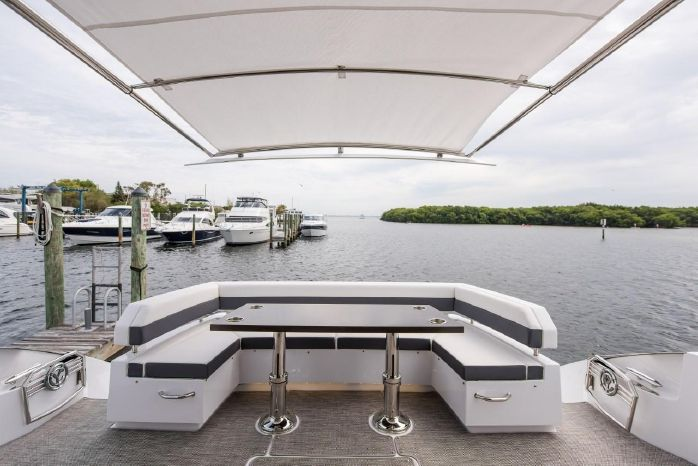 2016 Cruisers Yachts For Sale Brokerage
