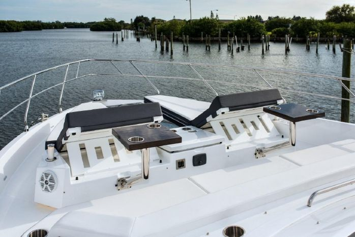 2016 Cruisers Yachts Sell Purchase