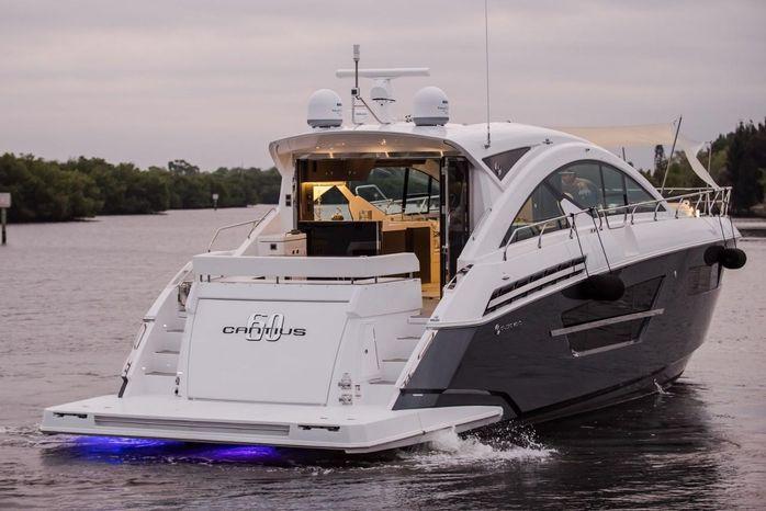 2016 Cruisers Yachts Brokerage Brokerage
