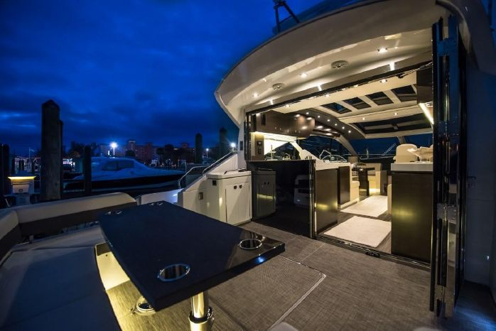 2016 Cruisers Yachts Sell Connecticut