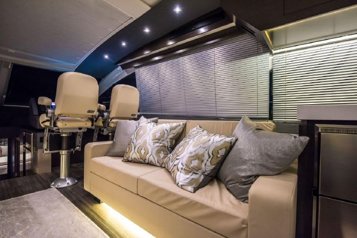 2016 Cruisers Yachts Broker Connecticut