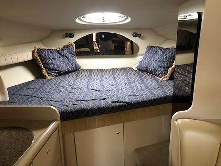 Cruisers Yachts 3075 image