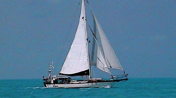 Alajuela Mark I Cutter Profile_Full Sail_Stbd