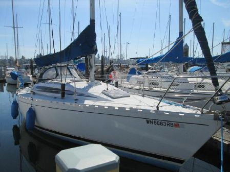 Beneteau First 32 image