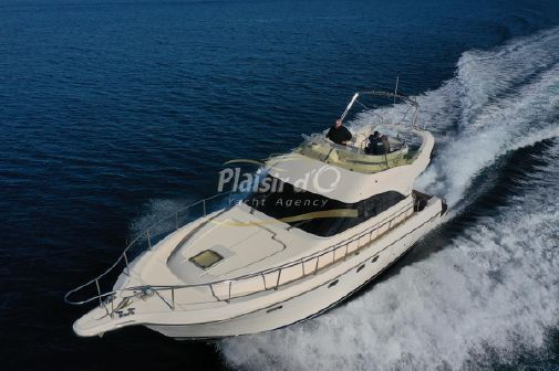 Cayman 42 Fly image