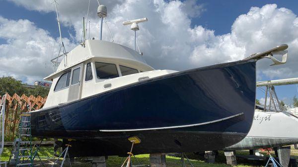 Northern Bay Custom Flybridge Cruiser