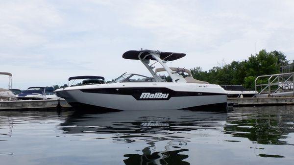 Malibu M220