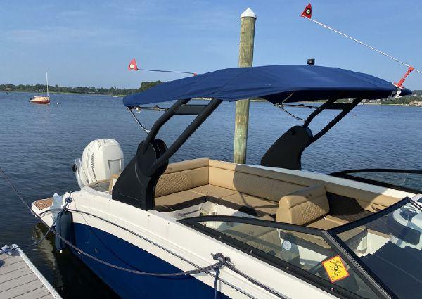 Sea Ray SDX 270 Outboard image