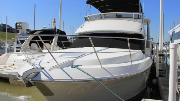 Carver 406 Aft Cabin Motor Yacht