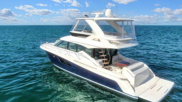 Tiara Yachts 53FLY