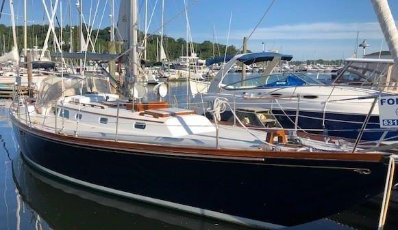 Hinckley Bermuda 40 MKIII Sloop