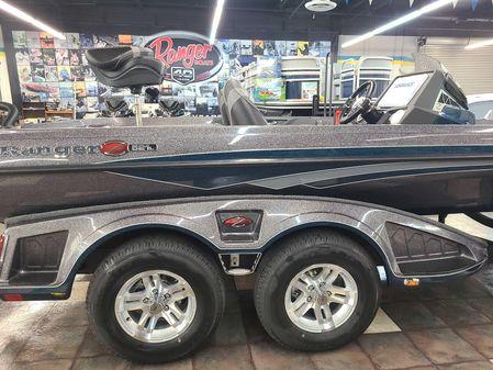Ranger Z521L Touring w/ Minn Kota Charger image