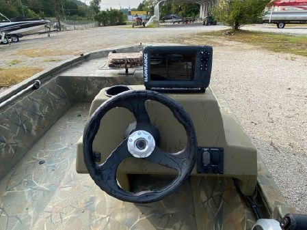 Tracker Grizzly 1648 image
