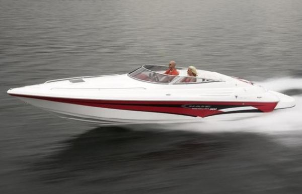 2018 Campion Chase 800i Sport Cabin