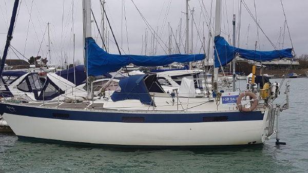 Oyster Mariner 35 ketch