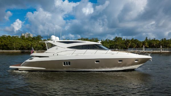 Riviera 58 Sport Yacht