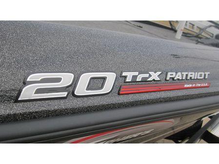 Triton 20 TRX Patriot image