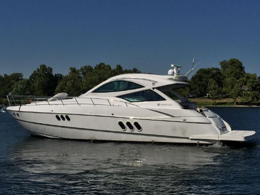 Cruisers Yachts 540 Sports Coupe - main image