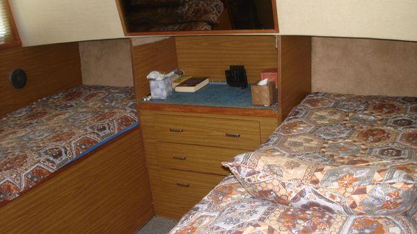 Chris-Craft 381 Catalina image