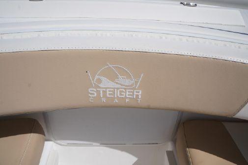 Steiger Craft 255 DV Center Console image