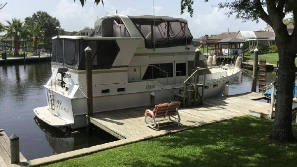 Present Yachts 42 Sundeck