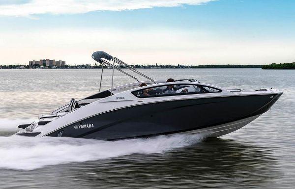 2020 Yamaha Boats 275 E