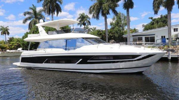 Prestige Motoryacht