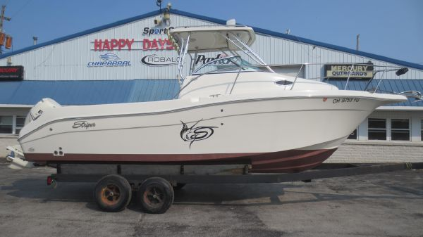 Seaswirl Striper 2605 WA