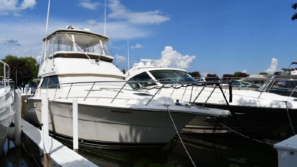 Tiara Yachts 4300 Convertible