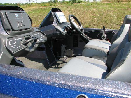 Skeeter ZX225 image