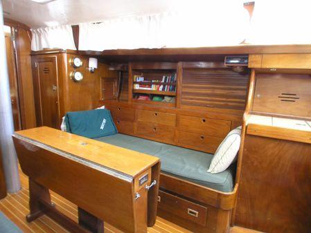 Hinckley Bermuda 40 MK III image