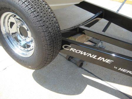 Crownline 255 SS image