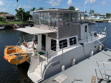 Endeavour Catamaran 40 Pilot house image