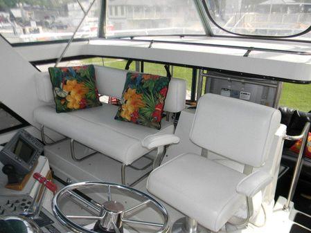 Carver 4207 Aft Cabin Motoryacht image