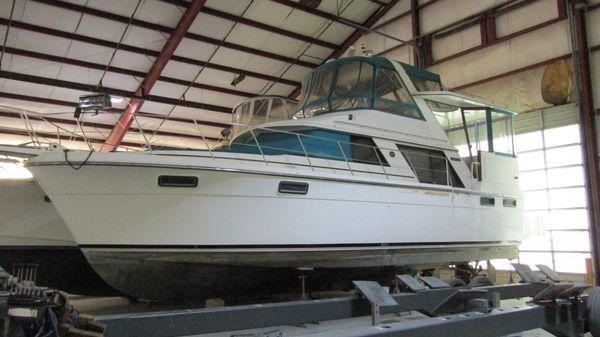 Carver 4207 Aft Cabin Motoryacht