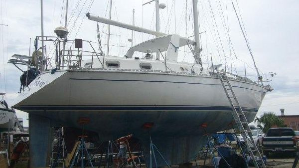 Gulfstar CSY 42 On Land