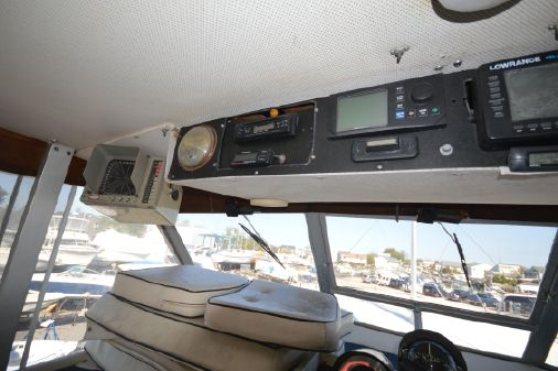 Chris-Craft 47 Commander image