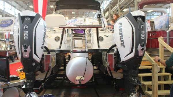 Manitou Pontoons X-Plode 25 SRW Dual Engine
