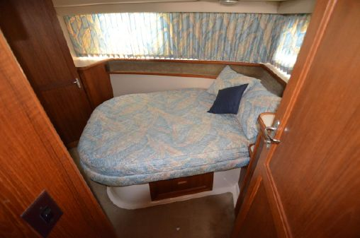 Carver 3807 Aft Cabin image