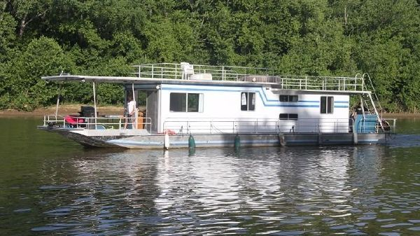 Sumerset House Boat